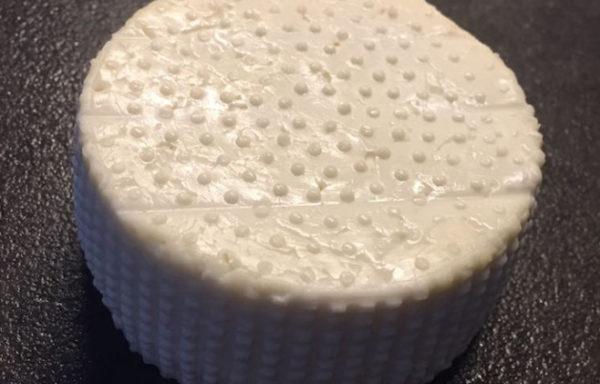 Čerstvý kozí sýr